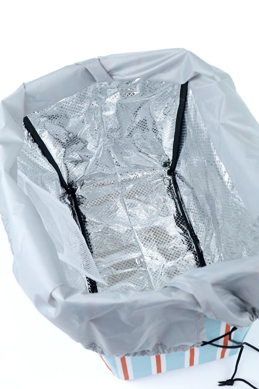 FoldingShoppingCoolerBasket(StripeIceBlue)保冷保温・折りたたみレジカゴエコバッグ(ストライプ・アイスブルー)大人カジュアルに最適な海外ファッションのothers(その他インポートアイテム)のバッグやその他。レジカゴにジャストフィットの折りたたみエコバッグ。保温、保冷効果を高めるアルミ加工で、両サイドのポケットは保冷剤を入れて更に保冷効果を高めることができます。/main-15