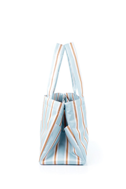 FoldingShoppingCoolerBasket(StripeIceBlue)保冷保温・折りたたみレジカゴエコバッグ(ストライプ・アイスブルー)大人カジュアルに最適な海外ファッションのothers(その他インポートアイテム)のバッグやその他。レジカゴにジャストフィットの折りたたみエコバッグ。保温、保冷効果を高めるアルミ加工で、両サイドのポケットは保冷剤を入れて更に保冷効果を高めることができます。/main-2