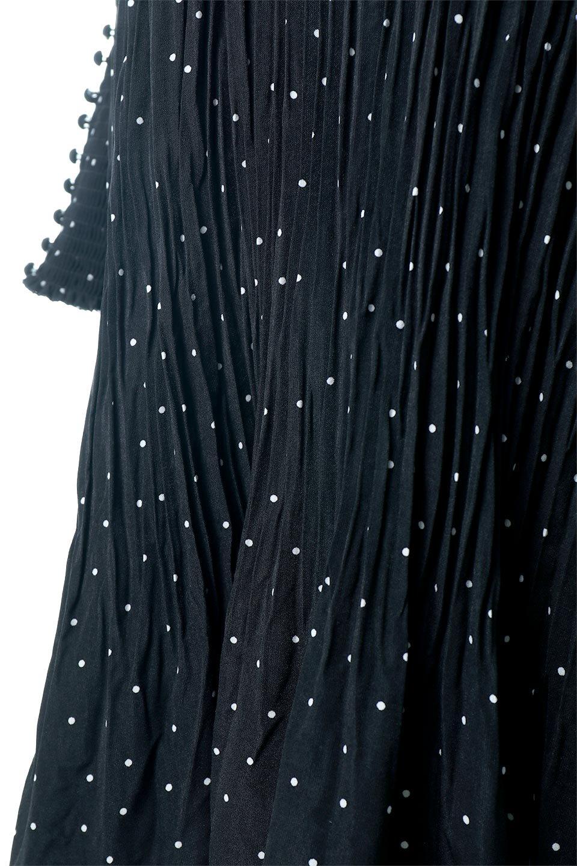 RandomPleatedDotDressランダムプリーツ・ドットワンピース大人カジュアルに最適な海外ファッションのothers(その他インポートアイテム)のワンピースやマキシワンピース。かわいらしさと落ち着いた大人っぽさが同居した素敵なワンピース。ゆるやかに流れるプリーツが魅力のこちらのワンピースは、胸部分から裾までランダムなプリーツ加工が施されており、動くたびに揺れ動き、身体のラインをカバーしながら女性らしいシルエットを作ってくれます。/main-11