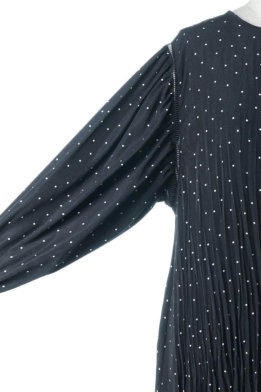 RandomPleatedDotDressランダムプリーツ・ドットワンピース大人カジュアルに最適な海外ファッションのothers(その他インポートアイテム)のワンピースやマキシワンピース。かわいらしさと落ち着いた大人っぽさが同居した素敵なワンピース。ゆるやかに流れるプリーツが魅力のこちらのワンピースは、胸部分から裾までランダムなプリーツ加工が施されており、動くたびに揺れ動き、身体のラインをカバーしながら女性らしいシルエットを作ってくれます。/main-12
