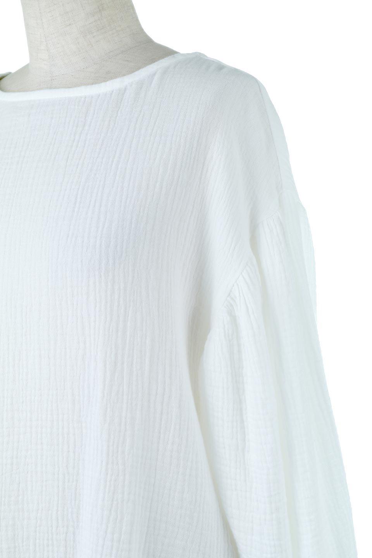 FrilledBackDoubleGauzeBlouseバックフリル・ダブルガーゼブラウス大人カジュアルに最適な海外ファッションのothers(その他インポートアイテム)のトップスやシャツ・ブラウス。フェミニンに決まるバックフリルがポイントのブラウス。綿100%のダブルガーゼの素材を使用してるのでとても柔らかく着心地も◎。/main-11