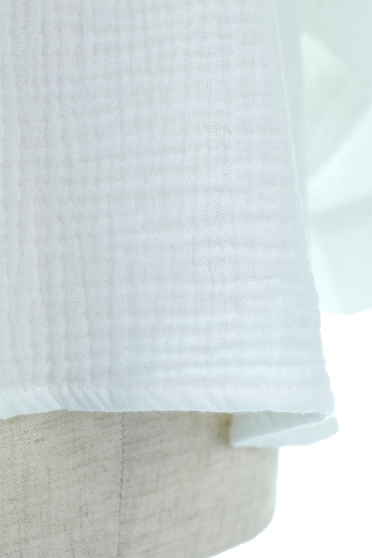 FrilledBackDoubleGauzeBlouseバックフリル・ダブルガーゼブラウス大人カジュアルに最適な海外ファッションのothers(その他インポートアイテム)のトップスやシャツ・ブラウス。フェミニンに決まるバックフリルがポイントのブラウス。綿100%のダブルガーゼの素材を使用してるのでとても柔らかく着心地も◎。/main-18