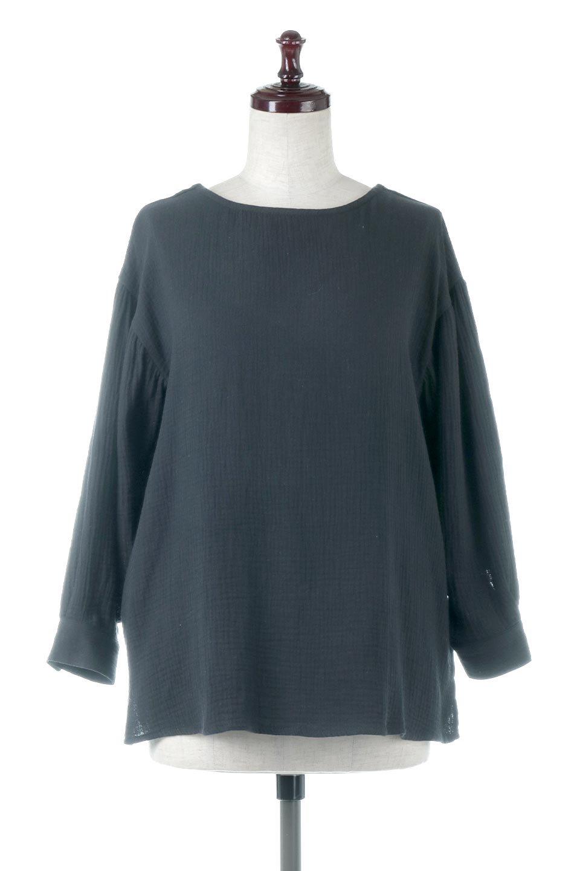 FrilledBackDoubleGauzeBlouseバックフリル・ダブルガーゼブラウス大人カジュアルに最適な海外ファッションのothers(その他インポートアイテム)のトップスやシャツ・ブラウス。フェミニンに決まるバックフリルがポイントのブラウス。綿100%のダブルガーゼの素材を使用してるのでとても柔らかく着心地も◎。/main-5
