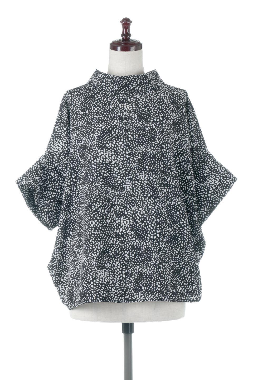 RollNeckBackButtonBlouseロールネック・ドルマンブラウス大人カジュアルに最適な海外ファッションのothers(その他インポートアイテム)のトップスやシャツ・ブラウス。ドルマンスリーブのドレープが綺麗で軽やかな着こなしができる半袖ブラウス。首元から背中にかけてのデザインがとても可愛いアイテムです。