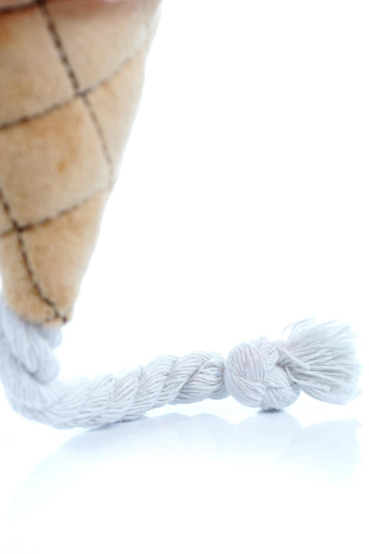 PlushIce-CreamDogToyアイスクリーム・犬用オモチャ大人カジュアルに最適な海外ファッションのothers(その他インポートアイテム)のドッググッズやその他。ワンちゃんも喜ぶアイスクリームのぬいぐるみのオモチャ。ふわふわアイスクリームの下についたコットンロープは噛み噛みすれば歯垢も取れて一石二鳥です。/main-12