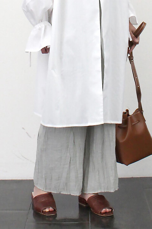 WrinklePoplinWideLegPantsワッシャーポプリン・シワ加工パンツ大人カジュアルに最適な海外ファッションのothers(その他インポートアイテム)のボトムやパンツ。ランダムなシワ加工が涼しげな印象のワイドパンツ。薄手の生地で春夏にピッタリのアイテム。/main-25