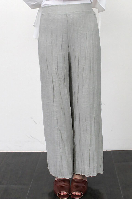WrinklePoplinWideLegPantsワッシャーポプリン・シワ加工パンツ大人カジュアルに最適な海外ファッションのothers(その他インポートアイテム)のボトムやパンツ。ランダムなシワ加工が涼しげな印象のワイドパンツ。薄手の生地で春夏にピッタリのアイテム。/main-26