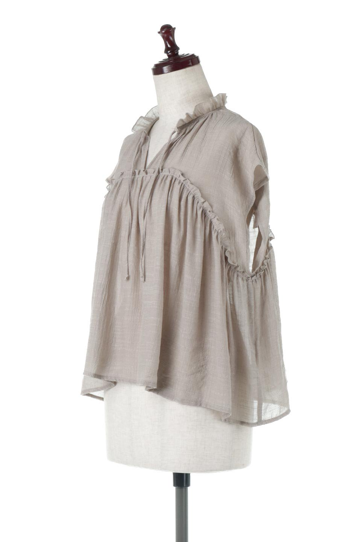 FrenchSleeveGatheredBlouseフレンチスリーブ・ギャザーブラウス大人カジュアルに最適な海外ファッションのothers(その他インポートアイテム)のトップスやシャツ・ブラウス。サラリとした肌触りが心地よいフレンチスリーブのブラウス。シワが気にならないスラブガーゼを使用したアイテムです。/main-11