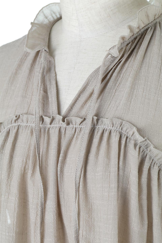 FrenchSleeveGatheredBlouseフレンチスリーブ・ギャザーブラウス大人カジュアルに最適な海外ファッションのothers(その他インポートアイテム)のトップスやシャツ・ブラウス。サラリとした肌触りが心地よいフレンチスリーブのブラウス。シワが気にならないスラブガーゼを使用したアイテムです。/main-17