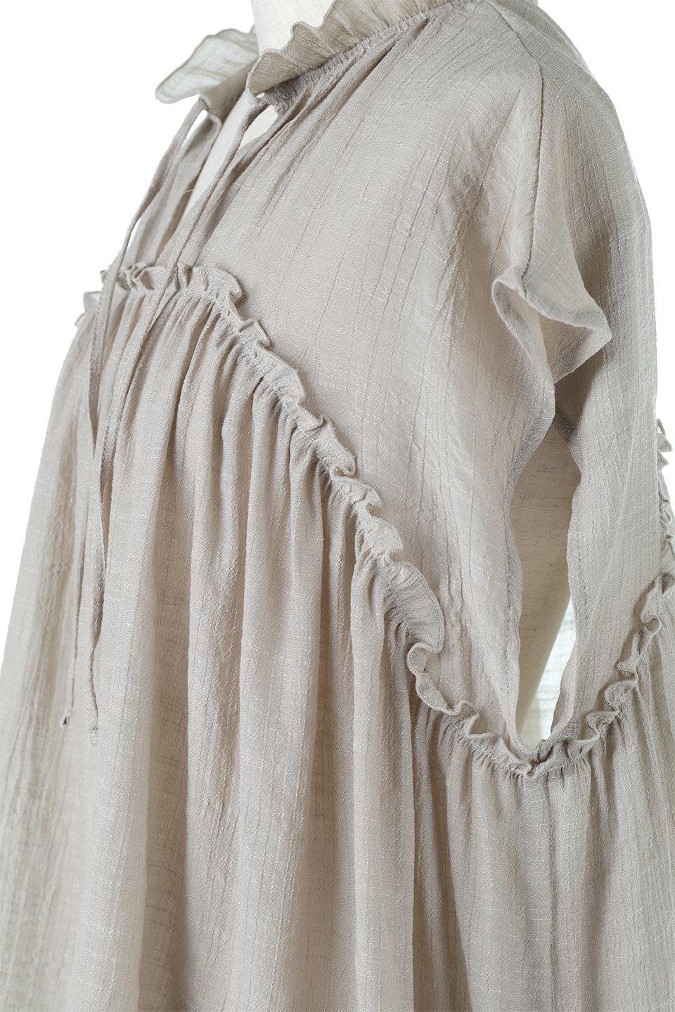 FrenchSleeveGatheredBlouseフレンチスリーブ・ギャザーブラウス大人カジュアルに最適な海外ファッションのothers(その他インポートアイテム)のトップスやシャツ・ブラウス。サラリとした肌触りが心地よいフレンチスリーブのブラウス。シワが気にならないスラブガーゼを使用したアイテムです。/main-19