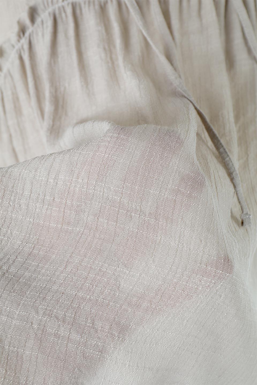 FrenchSleeveGatheredBlouseフレンチスリーブ・ギャザーブラウス大人カジュアルに最適な海外ファッションのothers(その他インポートアイテム)のトップスやシャツ・ブラウス。サラリとした肌触りが心地よいフレンチスリーブのブラウス。シワが気にならないスラブガーゼを使用したアイテムです。/main-23