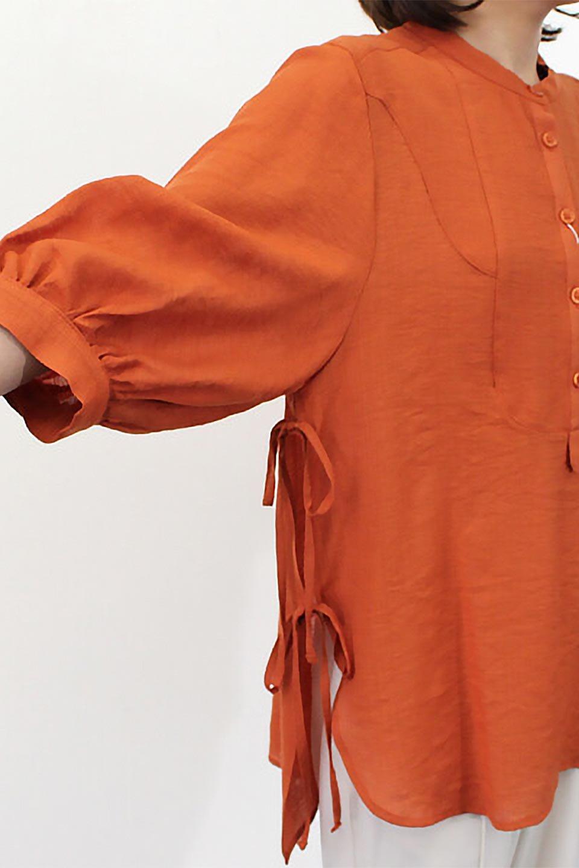 SideTiedBosomBlouseブザムデザイン・サイドリボンブラウス大人カジュアルに最適な海外ファッションのothers(その他インポートアイテム)のトップスやシャツ・ブラウス。サラテロ素材で肌触り抜群のブザムデザインのブラウス。サイドに大胆に入ったスリットには2か所のリボンで可愛さアップ。/main-19