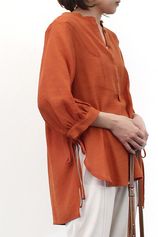 SideTiedBosomBlouseブザムデザイン・サイドリボンブラウス大人カジュアルに最適な海外ファッションのothers(その他インポートアイテム)のトップスやシャツ・ブラウス。サラテロ素材で肌触り抜群のブザムデザインのブラウス。サイドに大胆に入ったスリットには2か所のリボンで可愛さアップ。/main-20