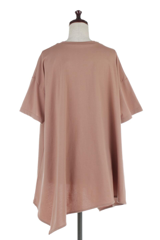 AsymmetricalHemBigTeeアシメントリー・ビッグシルエットTシャツ大人カジュアルに最適な海外ファッションのothers(その他インポートアイテム)のトップスやカットソー。斜めにカットされたアシメントリーの裾がポイントのビッグTee。ゆったりとしたリラックス感のあるシルエットで、ややAラインのシルエットが可愛いアイテム。/main-14