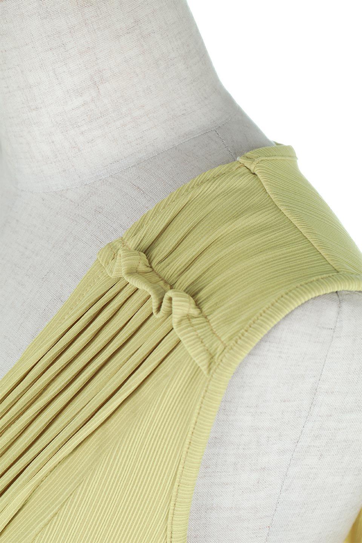 PinTuckSleevelessBlouseピンタック・ノースリーブトップス大人カジュアルに最適な海外ファッションのothers(その他インポートアイテム)のトップスやシャツ・ブラウス。リブのようなボリューム感のあるピンタックが上品なノースリーブのトップス。肩のフリルから落ちるタックデザインが立体的で、裾の動きがかわいいアイテム。/main-20