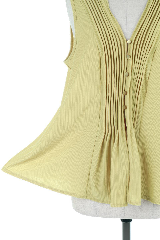 PinTuckSleevelessBlouseピンタック・ノースリーブトップス大人カジュアルに最適な海外ファッションのothers(その他インポートアイテム)のトップスやシャツ・ブラウス。リブのようなボリューム感のあるピンタックが上品なノースリーブのトップス。肩のフリルから落ちるタックデザインが立体的で、裾の動きがかわいいアイテム。/main-23
