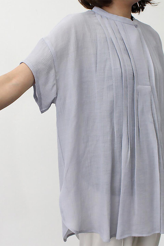 PinTuckBandCollarBlouseピンタック・ガーゼブラウス大人カジュアルに最適な海外ファッションのothers(その他インポートアイテム)のトップスやシャツ・ブラウス。首元から伸びるピンタックのデザインが可愛い半袖ブラウス。首元にはボタンがひとつあり、閉めるときちっとした印象に、開くと涼し気で抜け感のある印象になります。/main-27