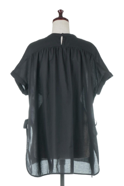 SideSlitSmockingBlouseサイドスリット・スモッキングブラウス大人カジュアルに最適な海外ファッションのothers(その他インポートアイテム)のトップスやシャツ・ブラウス。スモッキングと呼ばれる立体的なディテールが可愛い半袖ブラウス。サイドは深くスリットが入り、リボンを結ぶデザインで横から見た印象も可愛いアイテム。/main-4