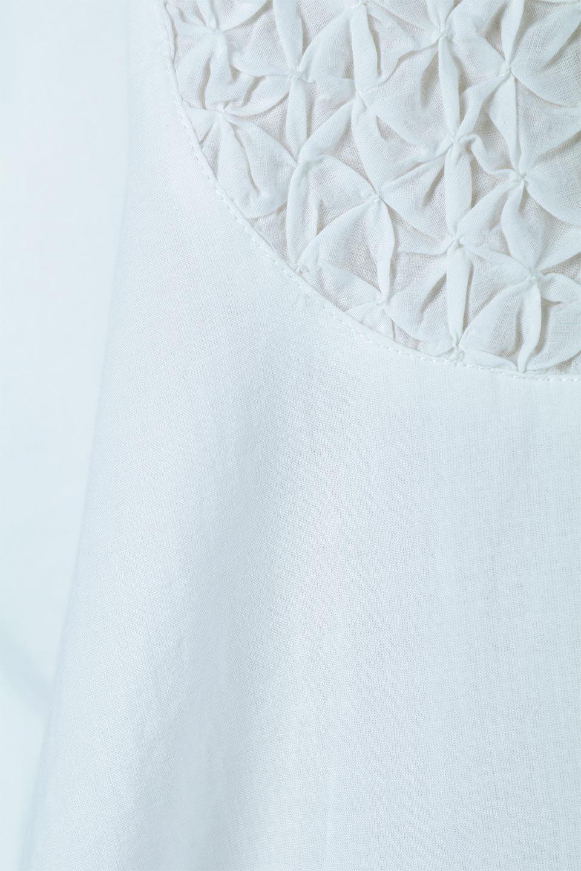 IndianCottonSmockingLongDressインド綿使用・スモッキングワンピース大人カジュアルに最適な海外ファッションのothers(その他インポートアイテム)のワンピースやミディワンピース。立体的なスモッキング刺繍が印象的なゆったりシルエットのワンピース。ナチュラルなコットンの生地なので、汗ばむ季節でも体に張り付くことなく快適です。/main-10