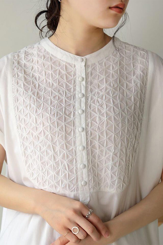 IndianCottonSmockingLongDressインド綿使用・スモッキングワンピース大人カジュアルに最適な海外ファッションのothers(その他インポートアイテム)のワンピースやミディワンピース。立体的なスモッキング刺繍が印象的なゆったりシルエットのワンピース。ナチュラルなコットンの生地なので、汗ばむ季節でも体に張り付くことなく快適です。/main-13
