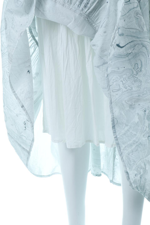 MarblePatternTieredLongSkirtマーブルパターン・ティアードスカート大人カジュアルに最適な海外ファッションのothers(その他インポートアイテム)のボトムやスカート。マーブル模様が涼し気なギャザーをたっぷりよせた3段ティアードスカート。動くたびに揺れるシルエットが涼し気な印象のスカートです。/main-10