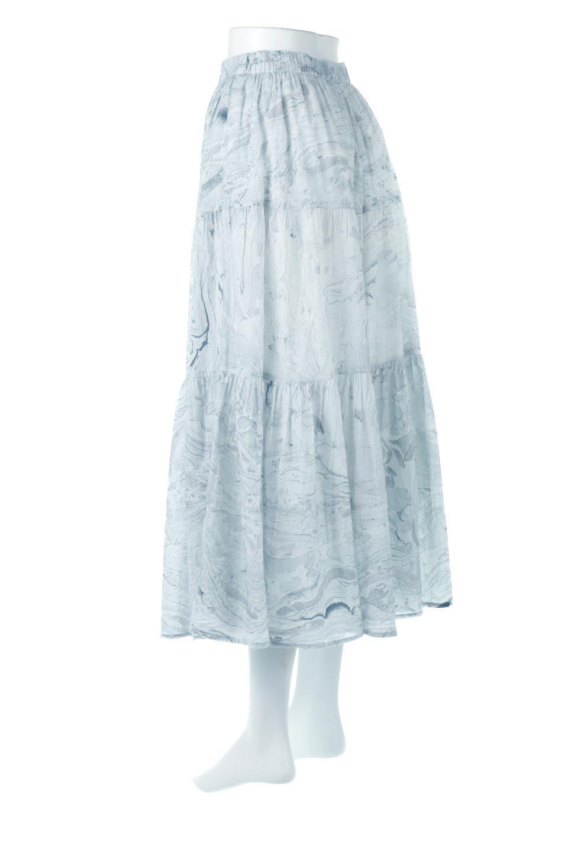 MarblePatternTieredLongSkirtマーブルパターン・ティアードスカート大人カジュアルに最適な海外ファッションのothers(その他インポートアイテム)のボトムやスカート。マーブル模様が涼し気なギャザーをたっぷりよせた3段ティアードスカート。動くたびに揺れるシルエットが涼し気な印象のスカートです。/main-3