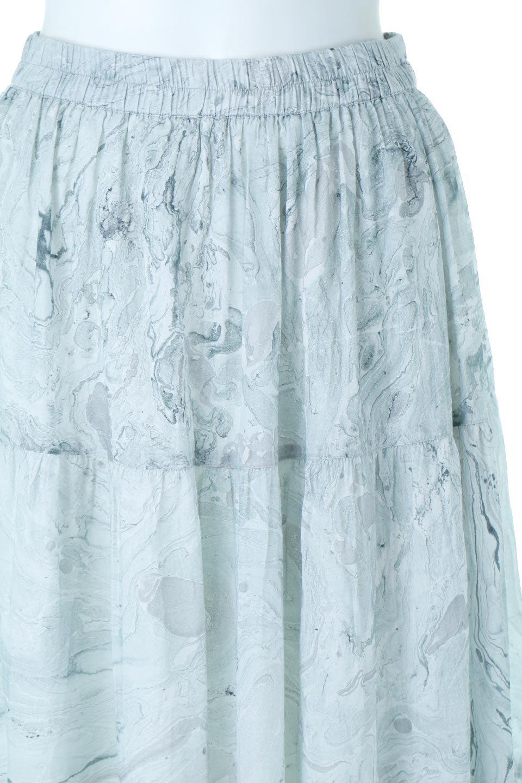 MarblePatternTieredLongSkirtマーブルパターン・ティアードスカート大人カジュアルに最適な海外ファッションのothers(その他インポートアイテム)のボトムやスカート。マーブル模様が涼し気なギャザーをたっぷりよせた3段ティアードスカート。動くたびに揺れるシルエットが涼し気な印象のスカートです。/main-6