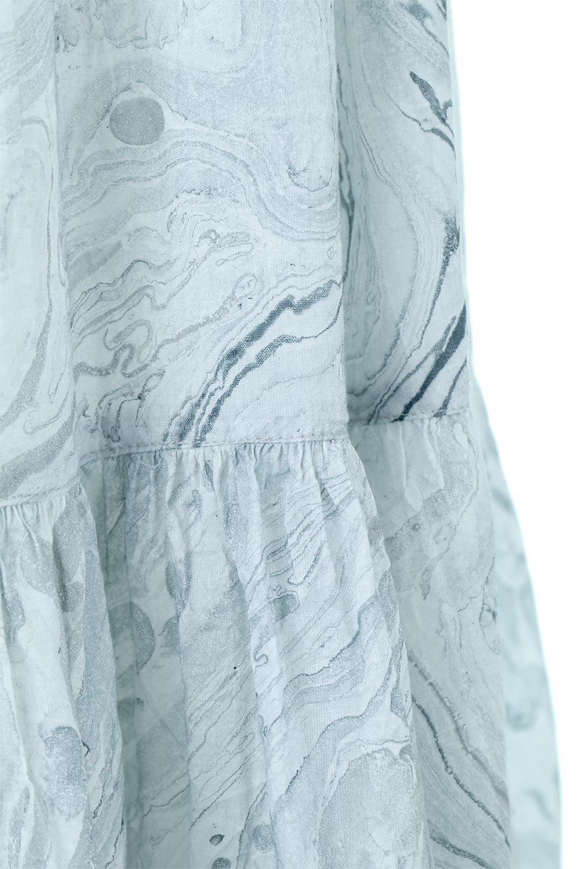 MarblePatternTieredLongSkirtマーブルパターン・ティアードスカート大人カジュアルに最適な海外ファッションのothers(その他インポートアイテム)のボトムやスカート。マーブル模様が涼し気なギャザーをたっぷりよせた3段ティアードスカート。動くたびに揺れるシルエットが涼し気な印象のスカートです。/main-9
