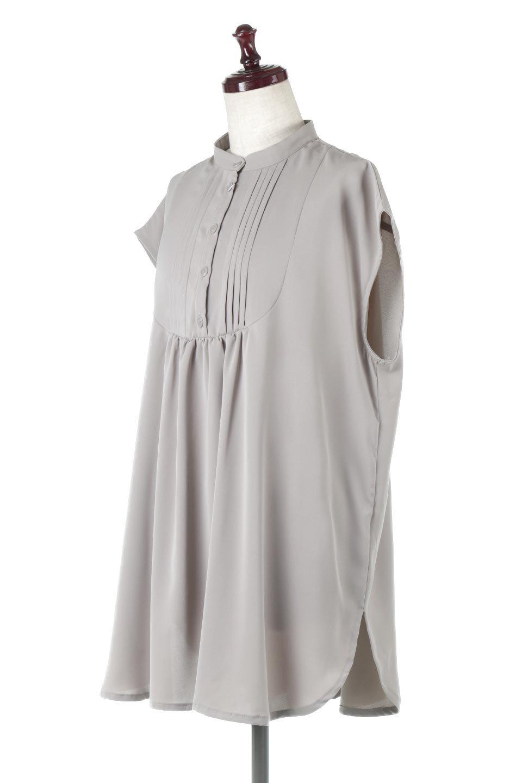 FrenchSleevePinTuckedBosomBlouseピンタック入り・ブザムブラウス大人カジュアルに最適な海外ファッションのothers(その他インポートアイテム)のトップスやシャツ・ブラウス。光沢を抑えたマットサテンを使った上品な印象のブラウス。腕を華奢に見せ、羽織にも響きにくく扱いやすいフレンチスリーブのアイテムです。/main-1