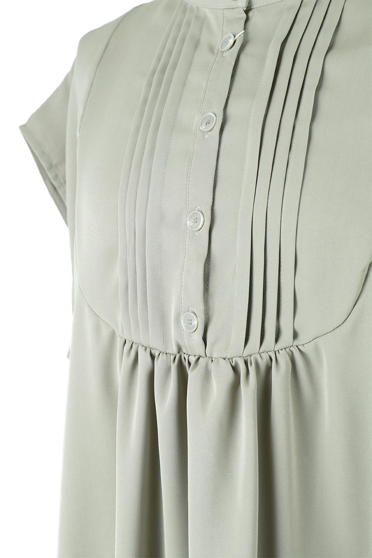 FrenchSleevePinTuckedBosomBlouseピンタック入り・ブザムブラウス大人カジュアルに最適な海外ファッションのothers(その他インポートアイテム)のトップスやシャツ・ブラウス。光沢を抑えたマットサテンを使った上品な印象のブラウス。腕を華奢に見せ、羽織にも響きにくく扱いやすいフレンチスリーブのアイテムです。/main-18