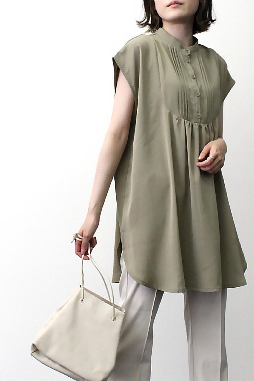 FrenchSleevePinTuckedBosomBlouseピンタック入り・ブザムブラウス大人カジュアルに最適な海外ファッションのothers(その他インポートアイテム)のトップスやシャツ・ブラウス。光沢を抑えたマットサテンを使った上品な印象のブラウス。腕を華奢に見せ、羽織にも響きにくく扱いやすいフレンチスリーブのアイテムです。/main-21