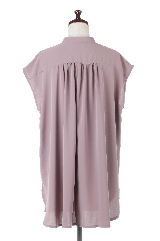 FrenchSleevePinTuckedBosomBlouseピンタック入り・ブザムブラウス大人カジュアルに最適な海外ファッションのothers(その他インポートアイテム)のトップスやシャツ・ブラウス。光沢を抑えたマットサテンを使った上品な印象のブラウス。腕を華奢に見せ、羽織にも響きにくく扱いやすいフレンチスリーブのアイテムです。/main-9