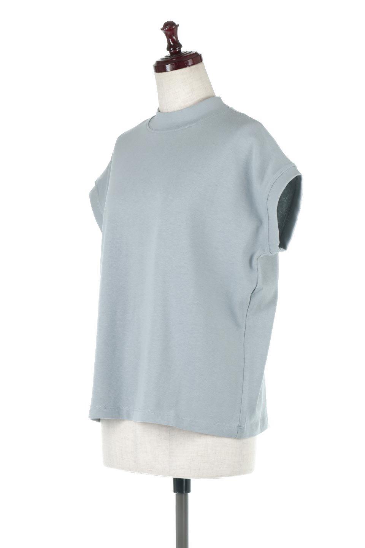 FrenchSleeveMockNeckTeeフレンチスリーブ・モックネックTシャツ大人カジュアルに最適な海外ファッションのothers(その他インポートアイテム)のトップスやTシャツ。USコットンを使用し、ゆとりを持たせたシルエットとドライタッチな肌触りのTシャツ。着心地の良さはもちろん、二の腕がきれいに見えるフレンチスリーブとしっかりした生地感で程よく体型カバーしてくれるアイテム。/main-16