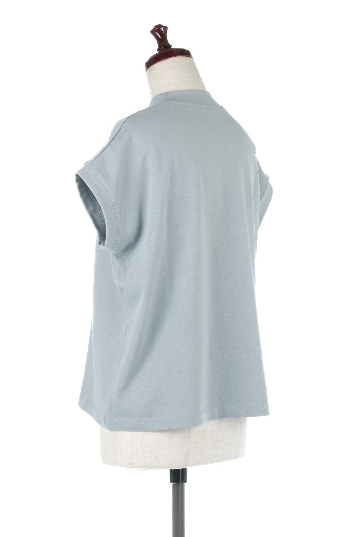 FrenchSleeveMockNeckTeeフレンチスリーブ・モックネックTシャツ大人カジュアルに最適な海外ファッションのothers(その他インポートアイテム)のトップスやTシャツ。USコットンを使用し、ゆとりを持たせたシルエットとドライタッチな肌触りのTシャツ。着心地の良さはもちろん、二の腕がきれいに見えるフレンチスリーブとしっかりした生地感で程よく体型カバーしてくれるアイテム。/main-18