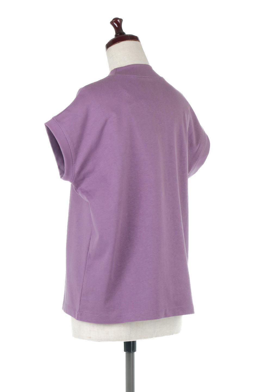 FrenchSleeveMockNeckTeeフレンチスリーブ・モックネックTシャツ大人カジュアルに最適な海外ファッションのothers(その他インポートアイテム)のトップスやTシャツ。USコットンを使用し、ゆとりを持たせたシルエットとドライタッチな肌触りのTシャツ。着心地の良さはもちろん、二の腕がきれいに見えるフレンチスリーブとしっかりした生地感で程よく体型カバーしてくれるアイテム。/main-23