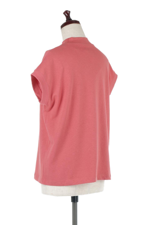 FrenchSleeveMockNeckTeeフレンチスリーブ・モックネックTシャツ大人カジュアルに最適な海外ファッションのothers(その他インポートアイテム)のトップスやTシャツ。USコットンを使用し、ゆとりを持たせたシルエットとドライタッチな肌触りのTシャツ。着心地の良さはもちろん、二の腕がきれいに見えるフレンチスリーブとしっかりした生地感で程よく体型カバーしてくれるアイテム。/main-3