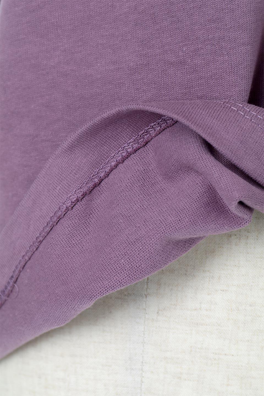 FrenchSleeveMockNeckTeeフレンチスリーブ・モックネックTシャツ大人カジュアルに最適な海外ファッションのothers(その他インポートアイテム)のトップスやTシャツ。USコットンを使用し、ゆとりを持たせたシルエットとドライタッチな肌触りのTシャツ。着心地の良さはもちろん、二の腕がきれいに見えるフレンチスリーブとしっかりした生地感で程よく体型カバーしてくれるアイテム。/main-32