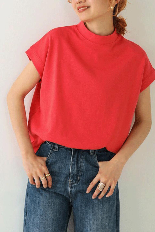 FrenchSleeveMockNeckTeeフレンチスリーブ・モックネックTシャツ大人カジュアルに最適な海外ファッションのothers(その他インポートアイテム)のトップスやTシャツ。USコットンを使用し、ゆとりを持たせたシルエットとドライタッチな肌触りのTシャツ。着心地の良さはもちろん、二の腕がきれいに見えるフレンチスリーブとしっかりした生地感で程よく体型カバーしてくれるアイテム。/main-33