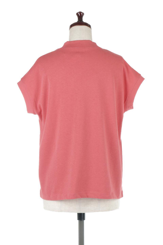 FrenchSleeveMockNeckTeeフレンチスリーブ・モックネックTシャツ大人カジュアルに最適な海外ファッションのothers(その他インポートアイテム)のトップスやTシャツ。USコットンを使用し、ゆとりを持たせたシルエットとドライタッチな肌触りのTシャツ。着心地の良さはもちろん、二の腕がきれいに見えるフレンチスリーブとしっかりした生地感で程よく体型カバーしてくれるアイテム。/main-4