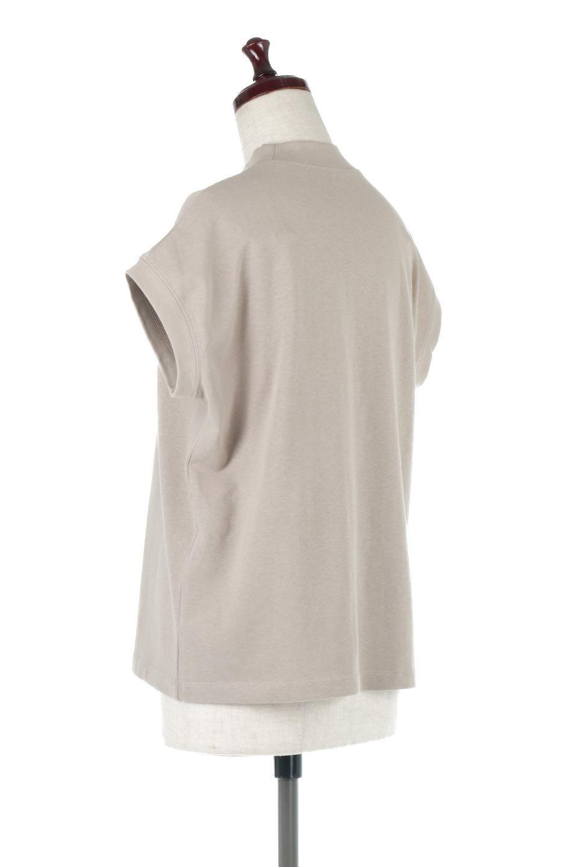 FrenchSleeveMockNeckTeeフレンチスリーブ・モックネックTシャツ大人カジュアルに最適な海外ファッションのothers(その他インポートアイテム)のトップスやTシャツ。USコットンを使用し、ゆとりを持たせたシルエットとドライタッチな肌触りのTシャツ。着心地の良さはもちろん、二の腕がきれいに見えるフレンチスリーブとしっかりした生地感で程よく体型カバーしてくれるアイテム。/main-8