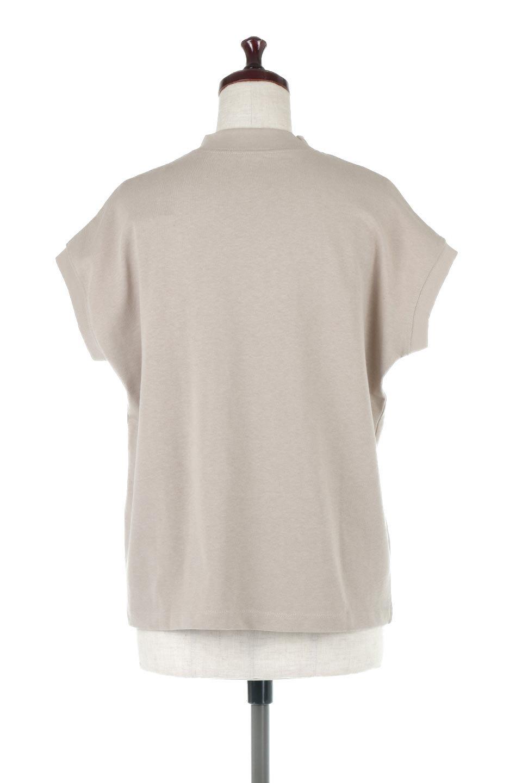 FrenchSleeveMockNeckTeeフレンチスリーブ・モックネックTシャツ大人カジュアルに最適な海外ファッションのothers(その他インポートアイテム)のトップスやTシャツ。USコットンを使用し、ゆとりを持たせたシルエットとドライタッチな肌触りのTシャツ。着心地の良さはもちろん、二の腕がきれいに見えるフレンチスリーブとしっかりした生地感で程よく体型カバーしてくれるアイテム。/main-9