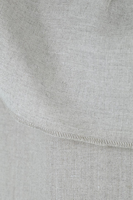 WashableLinenFrilledBlouseウォッシャブルリネン・フリルブラウス大人カジュアルに最適な海外ファッションのothers(その他インポートアイテム)のトップスやシャツ・ブラウス。首回りをぐるりと囲むフリルデザインが目を惹くナチュラルな印象のブラウス。デコルテラインが綺麗に見える開き具合で、ゆったりとしたシルエット。/main-16