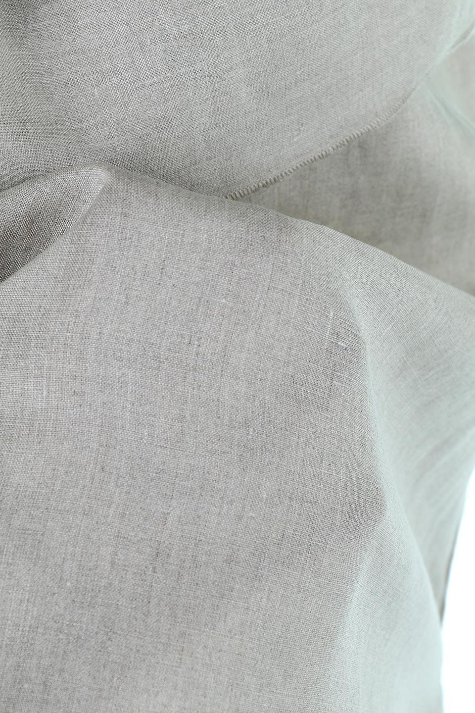 WashableLinenFrilledBlouseウォッシャブルリネン・フリルブラウス大人カジュアルに最適な海外ファッションのothers(その他インポートアイテム)のトップスやシャツ・ブラウス。首回りをぐるりと囲むフリルデザインが目を惹くナチュラルな印象のブラウス。デコルテラインが綺麗に見える開き具合で、ゆったりとしたシルエット。/main-17