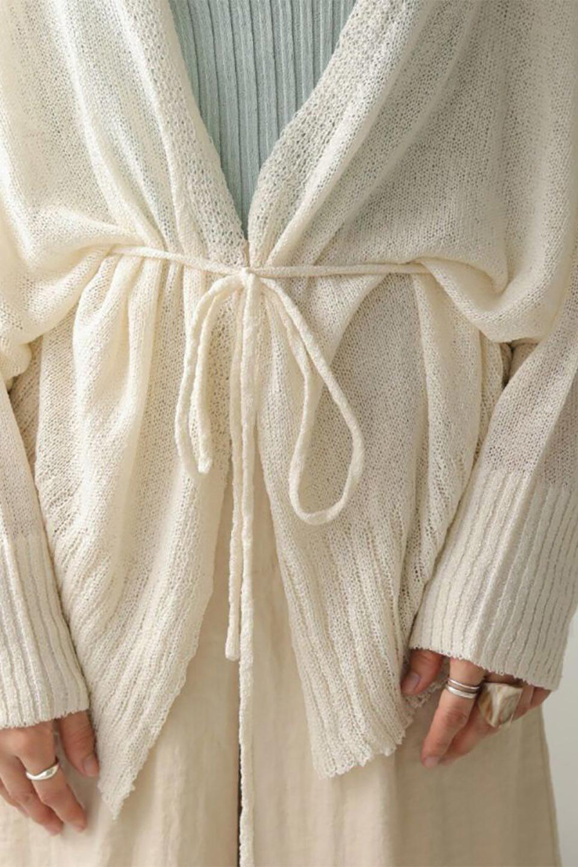 DolmanSleeveShearLoseKnitCardiganドルマンスリーブ・シアーニットカーディガン大人カジュアルに最適な海外ファッションのothers(その他インポートアイテム)のアウターやカーディガン。程よい透け感とゆったりとしたルーズなシルエットが魅力のニットカーディガン。やや長めの着丈と、ドルマンスリーブが体型カバーをしつつ、身体のラインを美しく見せてくれます。/main-22