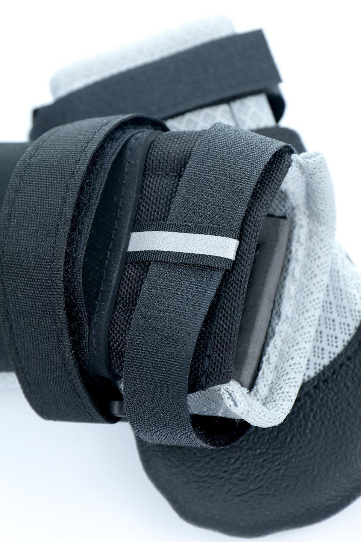 UltraPawsのUltraCoolDogBootsウルトラクール・ドッグブーツ/UltraPaws(ウルトラパウズ)のドッググッズやその他。灼熱のアスファルトからワンちゃんの足を守る夏用ドッグシューズ。ウルトラパウズのドッグブーツの中でも評価が高い夏用アイテムです。/main-3