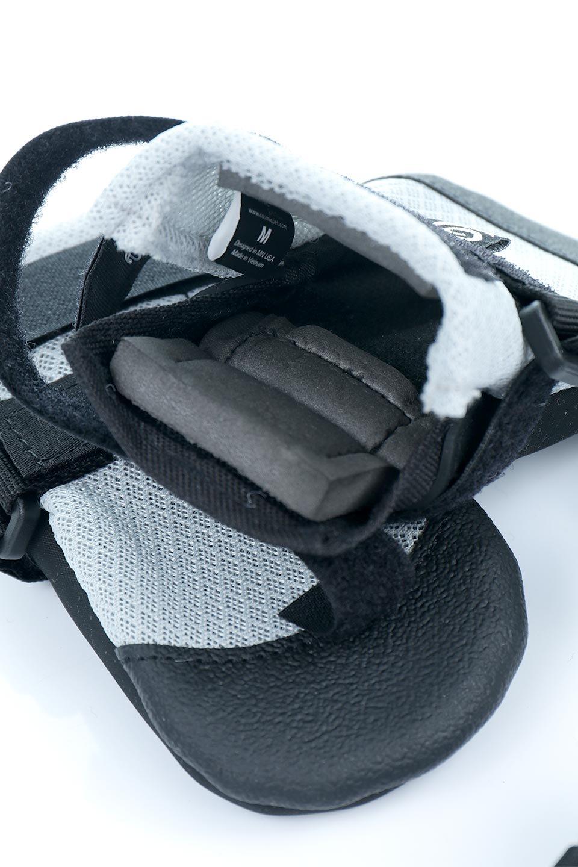 UltraPawsのUltraCoolDogBootsウルトラクール・ドッグブーツ/UltraPaws(ウルトラパウズ)のドッググッズやその他。灼熱のアスファルトからワンちゃんの足を守る夏用ドッグシューズ。ウルトラパウズのドッグブーツの中でも評価が高い夏用アイテムです。/main-4