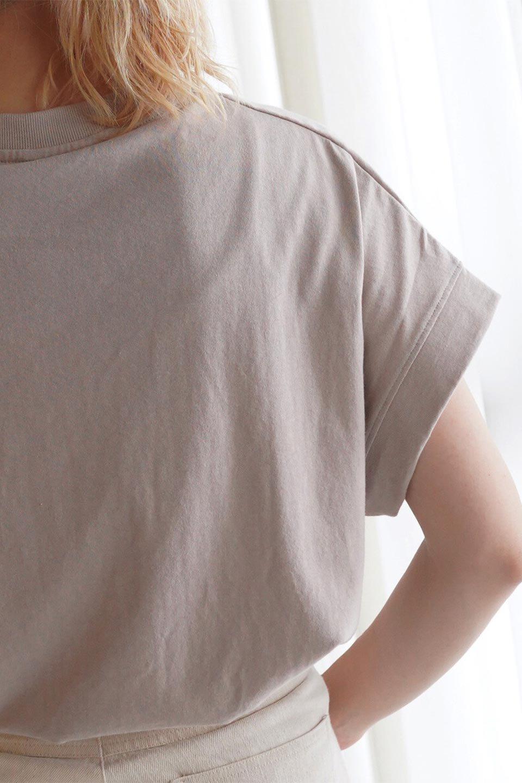 FrenchSleevePullOverTeeフレンチスリーブ・Tシャツ大人カジュアルに最適な海外ファッションのothers(その他インポートアイテム)のトップスやTシャツ。シンプルでつい着たくなる素材とシルエットが自慢のTシャツ。身体のラインをひろいづらい、しっかりとした中肉の暑さの安心カットソー生地のアイテムです。/main-32