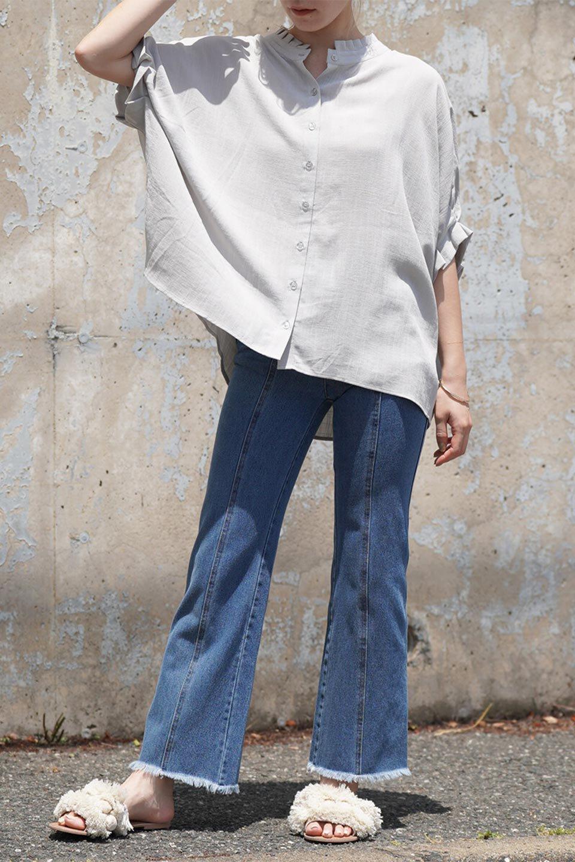 TuckedDolmanSleeveBlouseタックデザイン・ドルマンブラウス大人カジュアルに最適な海外ファッションのothers(その他インポートアイテム)のトップスやシャツ・ブラウス。ボックス型のタックデザインが可愛いソフトタッチの肌触りのブラウス。麻調のしっとりとした落ち感のある生地は袖口のタックのボリュームを綺麗に見せてくれます。/main-20