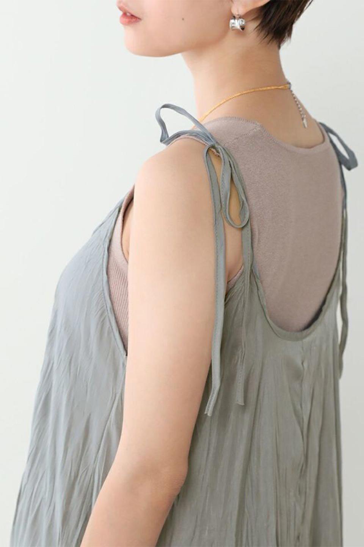 WasherLongCamiDressワッシャー・キャミワンピース大人カジュアルに最適な海外ファッションのothers(その他インポートアイテム)のワンピースやマキシワンピース。肩紐で長さが調整できるシンプルなキャミソールワンピース。生地にワッシャー加工というシワになる加工を施した、軽やかで抜け感のあるワンピースです。/main-12