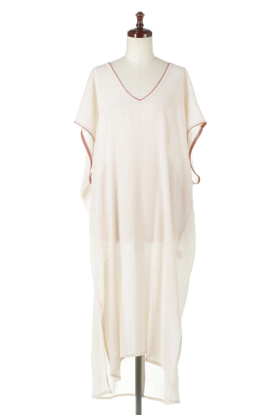 PipingHemChiffonKaftanDressシフォン生地・パイピングカフタンドレス大人カジュアルに最適な海外ファッションのothers(その他インポートアイテム)のワンピースやマキシワンピース。インナー次第でロングシーズン活躍するシアー素材のカフタンワンピース。肩の隠れる袖丈とゆったりとしたシルエットでストレス無く着られる1枚。/main-5